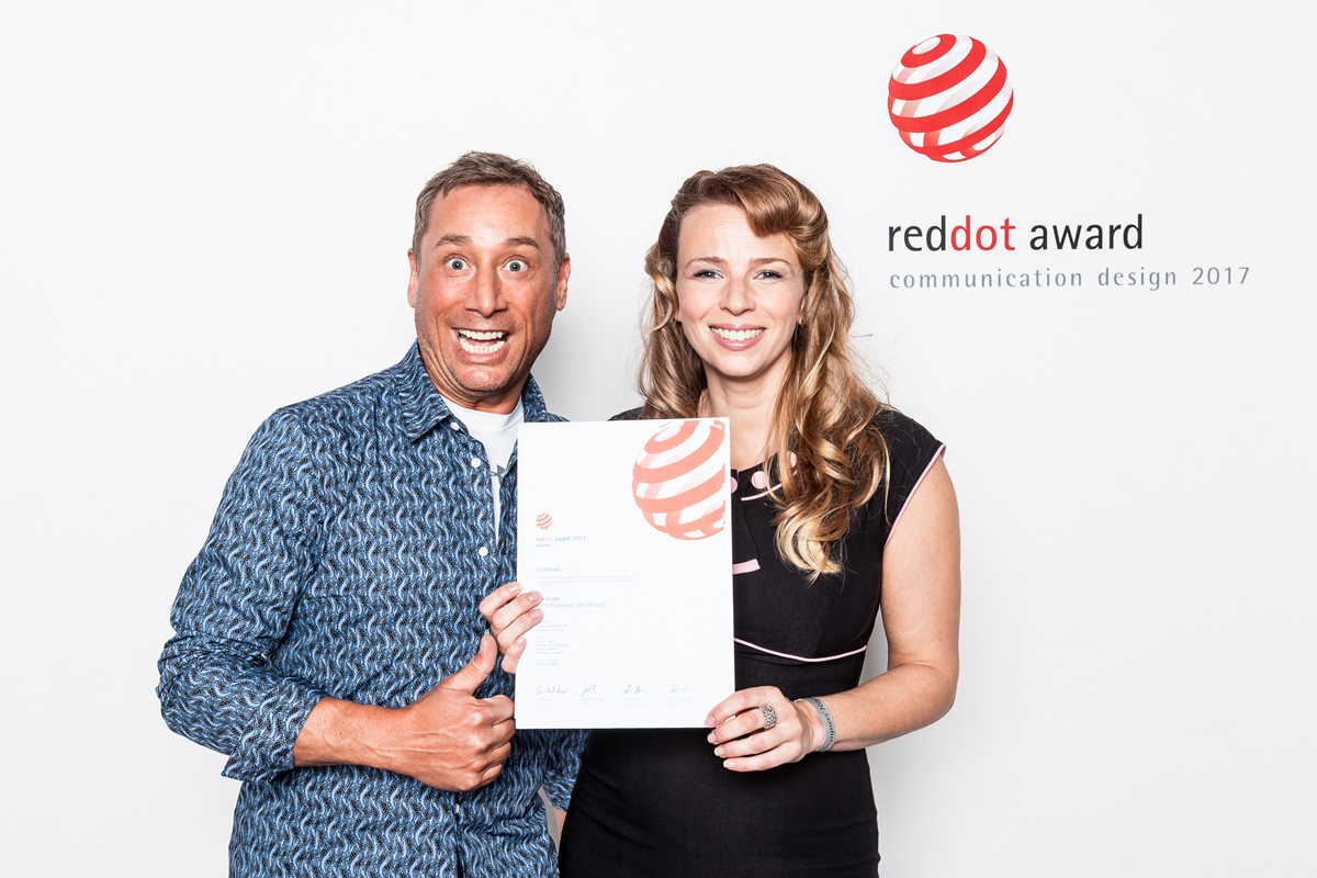 Red Dot Award Verleihung Packaging Design für Visuelle Logik Markenagentur